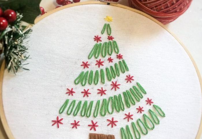 Bordar pino de navidad