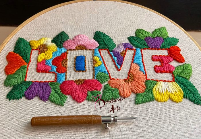Bordar flores con aguja mágica Embroidery flowers Punch needle