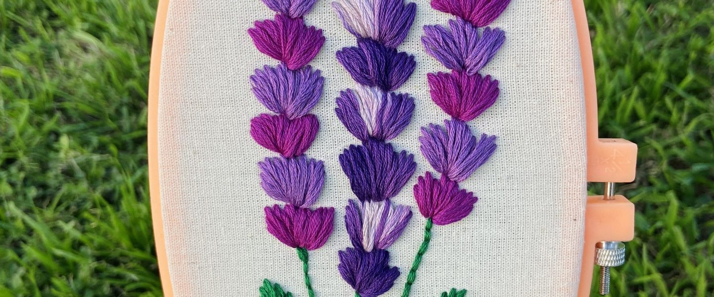 Bordar flores lavanda con aguja mágica | Embroidery flowers punch needle