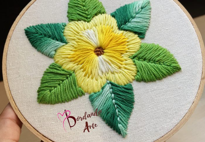 Bordar flores con aguja mágica | Embroidery flowers punch needle